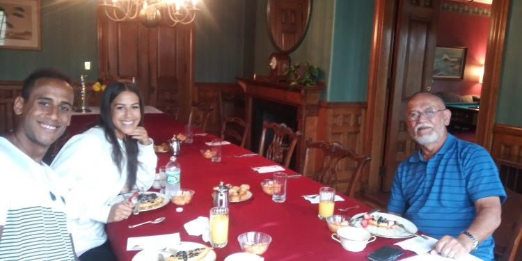 Breakfast at The ELMS